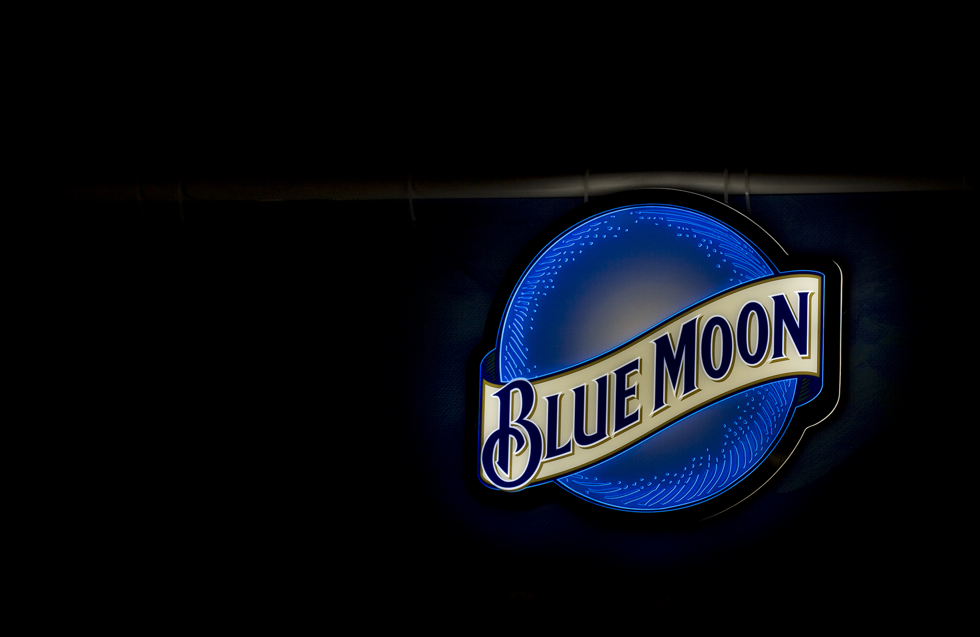 blue-moon-sign